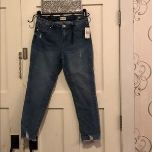 NEW Buffalo Midrise Skinny. Faith. Size 28